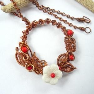 Piros-fehér virágkarika - réz nyaklánc (kricsar) - Meska.hu