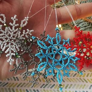 Skandináv havazás, Otthon & Lakás, Karácsony & Mikulás, Karácsonyfadísz, Gyöngyfűzés, gyöngyhímzés, Igazán kis kedves karácsonyfadíszeket hoztam ismét nektek. A fehér, kék, szürke és piros színek össz..., Meska