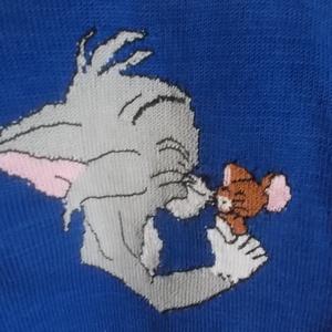 Tom és Jerry pulcsi, Táska, Divat & Szépség, Gyerekruha, Ruha, divat, Kamasz (10-14 év), Kötés, Teljes egészében kézzel kötött pamut pulcsi. Anyagánál fogva nagyon puha, kellemes viselet. Királyké..., Meska