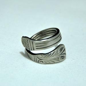 Hajtott, vonalas fémgyűrű (GY224), Ékszer, Gyűrű, Figurális gyűrű, Fémmegmunkálás, Ékszerkészítés, Meska