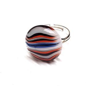 Ékszerüvegből készült gyűrű, Szoliter gyűrű, Gyűrű, Ékszer, Üvegművészet,  Bullseye ékszerüvegből készítettem a gyűrűmedált olvasztásos technikával. A medál átmérője 2 cm. A ..., Meska
