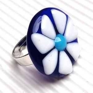 Ékszerüvegből készült gyűrű, Szoliter gyűrű, Gyűrű, Ékszer, Üvegművészet,  Bullseye ékszerüvegből készítettem a gyűrűmedált olvasztásos technikával. A medál átmérője 2, 5 cm...., Meska