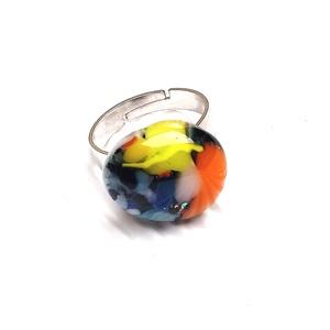 Ékszerüvegből készült gyűrű, Szoliter gyűrű, Gyűrű, Ékszer, Üvegművészet,  Bullseye ékszerüvegből készítettem a gyűrűmedált olvasztásos technikával. A medál mérete 1,8 cm x  ..., Meska