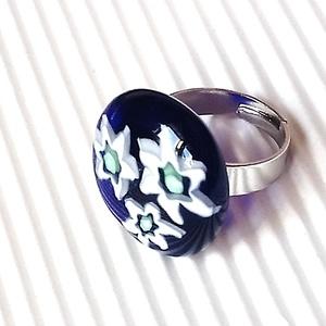 Ékszerüvegből készült gyűrű, Szoliter gyűrű, Gyűrű, Ékszer, Üvegművészet,  Moretti ékszerüvegből és millefiori gyöngyökből készítettem a gyűrűmedált olvasztásos technikával. ..., Meska