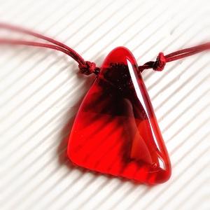 Az örök kedvec vörös-ékszerüveg nyaklánc, Ékszer, Medálos nyaklánc, Nyaklánc, Ékszerüvegből, olvasztásos technikával készítettem ezt az üde színösszeállítású, többféle piros és  ..., Meska