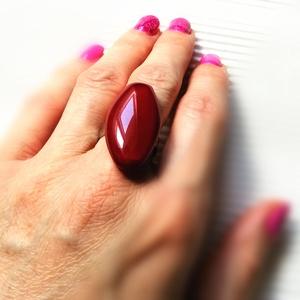 Virágszirom - Ékszerüvegből készült gyűrű, Statement gyűrű, Gyűrű, Ékszer, Üvegművészet,  Bullseye ékszerüvegből készítettem a gyűrűmedált olvasztásos technikával. A medál mérete 3,2 cm x  ..., Meska
