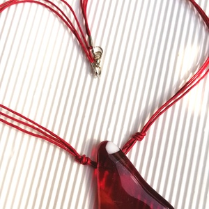 Az örök kedvec vörös-ékszerüveg nyaklánc (KriszDea) - Meska.hu