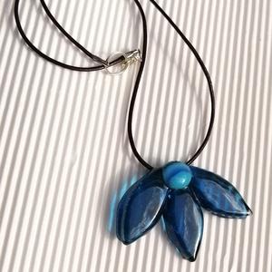 Különleges ékszerüveg virág nyaklánc  (KriszDea) - Meska.hu