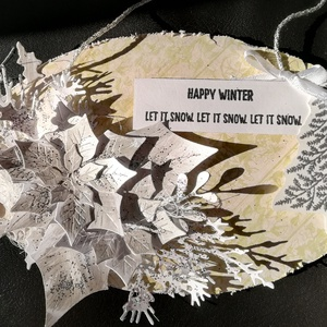 HAPPY WINTER - ajtódísz, Otthon & Lakás, Karácsony & Mikulás, Karácsonyi kopogtató, Papírművészet, 1 db, kb. 17*11 cm egyedi, saját készítésű téli fal vagy ajtódísz.\n\nAz alapja egy ovális fa lap, err..., Meska