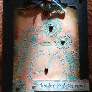 Órás-fogaskerekes, vintage jellegű szülinapi képeslap - 1 db, Otthon & Lakás, Papír írószer, Képeslap & Levélpapír, Papírművészet, 1 db, 10,5*15 cm egyedi, saját készítésű kézműves képeslap, 1 db borítékkal.\nA kihajtható képeslapra..., Meska