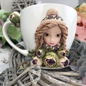 Őszi virágos babafejes bögre, Otthon & Lakás, Konyhafelszerelés, Bögre & Csésze, Baba-és bábkészítés, Gyurma, Kedves arcú babafejes bögre őszi, pasztell virágokkal. Gyönyörű ajándéknak vagy csak napi használatr..., Meska