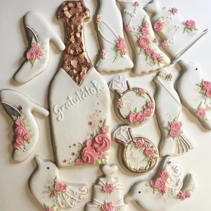 Esküvői mézeskalács, Esküvő, Esküvői dekoráció, Nászajándék, Kulinária (élelmiszer), Édességek, Mézeskalácssütés, Kézzel készült mézeskalács. A csomag 13 db mézest tartalmaz. Különböző méretűek. Kiváló esküvőre lán..., Meska