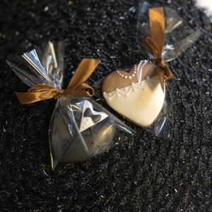 Esküvői mézeskalács, Esküvő, Esküvői dekoráció, Meghívó, ültetőkártya, köszönőajándék, Mézeskalácssütés, Mézeskalács esküvőre.Kiváló köszönő ajándék a vendégeknek.\nMérete:7 cm\nNagyobb mennyiség esetén ,elő..., Meska