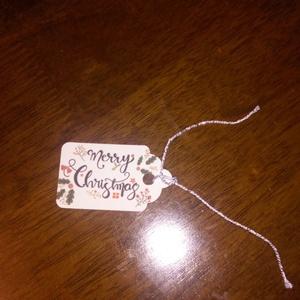 """Hosszúkás ajándékkísérő, Karácsony, Ajándékkísérő, Karácsonyi dekoráció, Fotó, grafika, rajz, illusztráció, Papírművészet, Hosszúkás, színes, \""""Merry Christmas\"""" feliratú ajándékkísérő.\n\nA kártya stílusa saját tervezés.\nMéret..., Meska"""