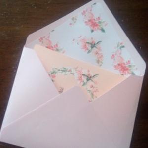 Bélelt boríték, képeslaphoz, esküvői meghívóhoz, Meghívó, Meghívó & Kártya, Esküvő, Papírművészet, C/6-os, kézzel hajtott és ragasztott boríték\n\nA szín választható, a belső minta is.\nA boríték 120gra..., Meska
