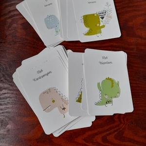 Kézzel készült dínós baba mérföldkőkártya, ajándék újszülöttnek, Játék & Gyerek, Babalátogató ajándékcsomag, Papírművészet, Fotó, grafika, rajz, illusztráció, 38 darabos cuki dínós mérföldkő kártya csomag.\n\nTartalmazza a 12 hónapra szóló kártyákat, illetve tö..., Meska