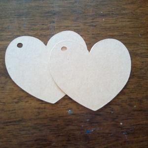 Kézzel vágott ajándékkisérő, esküvőre köszönetajándékhoz, Esküvő, Meghívó & Kártya, Papírművészet, Kreatív kartonból, kézzel vágott címke (üres)\nHasználható ajándék kísérőnek, esküvőre köszönetajándé..., Meska
