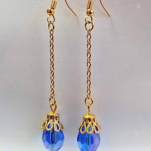 Kék csepp fülbevaló, Ékszer, Fülbevaló, Ékszerkészítés, A fülbevalót egy 15*10 mm kék csiszolt csepp üveggyöngyből készítettem. Az arany színű gyöngykupakra..., Meska