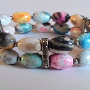 Ovális színes Achát duplasoros ásványkarkötő, Karkötő, Ékszer, Gyöngyös karkötő, Gyöngyfűzés, gyöngyhímzés, A karkötőt  12*8 mm-es ovális színes Achát ásványgyöngyből készítettem. Az ásványköveket ezüst színű..., Meska