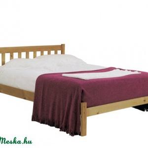 Fenyő ágy rendelhető több méretben., Bútor, Otthon & lakás, Ágy, Famegmunkálás, Fenyő ágy rendelhető, ágyráccsal, igény szerint fiókos ágyneműtartóval, éjjeliszekrénnyel.\n\nEgyedi e..., Meska