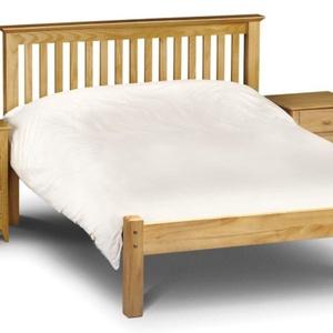 Fenyő ágy rendelhető több méretben, 2db éjjeliszekrénnyel. (kulonlegesvasak) - Meska.hu