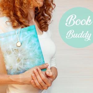 PITYPANG - Könyv Védő Tok, Könyvölelő, Könyvvászon - VÁLASZTHATÓ MÉRET!, Otthon & Lakás, Papír írószer, Könyv- és füzetborító, Varrás, Ez a puha KÖNYV - ÖLELŐ megvédi a kedvenc olvasmányaidat!\n\nTe is egy igazi könyvmoly vagy? Mindig a ..., Meska