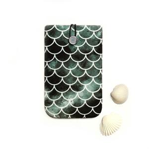 """Textil Mobil Tok - Slide 5\"""" - DARK MERMAID, Táska, Divat & Szépség, Táska, Pénztárca, tok, tárca, Mobiltok, Varrás, Univerzális 5\""""-os mobiltok.\n\nGyönyörű sötét hableány mintás design darab! Finom, puha minőségi texti..., Meska"""