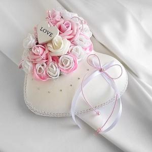 Eljegyzésre/esküvőre rózsaszín habrózsás szív alapú gyűrűpárna, Esküvő, Esküvői dekoráció, Gyűrűpárna, Otthon & lakás, Dekoráció, Ünnepi dekoráció, Szerelmeseknek, Varrás, Virágkötés, Egyedi gyűrűpárnát keresel a nagy napra, amelyet az esküvő után is szívesen nézegettek majd a lakásb..., Meska