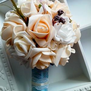 """Egyedi, kézműves \""""valami kék\"""" menyasszonyi örökcsokor, Esküvő, Esküvői csokor, Esküvői dekoráció, Szerelmeseknek, Ünnepi dekoráció, Dekoráció, Otthon & lakás, Gyöngyfűzés, gyöngyhímzés, Virágkötés, Egyedi csokrot szeretnél a nagy napon? Olyat, amit szívesen nézegetsz évek múlva is? Akkor lehet ez ..., Meska"""