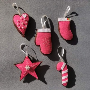 Karacsonyfadisz filc disz, Karácsony & Mikulás, Karácsonyfadísz, Varrás, 5 db karacsonyfadisz filcbol, Meska
