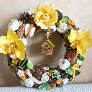 Nyári kopogtató - orchideás, kövirózsás ajtódísz, asztaldísz szett - Sweet home - kopogtató - édesotthon - naturel home, Otthon & lakás, Dekoráció, Lakberendezés, Asztaldísz, Ajtódísz, kopogtató, Ez az élénk, vidám szett garantáltan jó hangulatot teremt otthonodban! :-)  Minőségi selyemvirágokka..., Meska