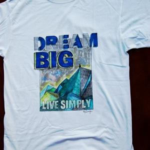Festett férfipóló Dream Big, Táska, Divat & Szépség, Ruha, divat, Férfi ruha, Festészet, Festett tárgyak, Ez az igazán egyedi kézzel festett póló remek ruhadarab (ajándék) :-). \nHosszas munkafolyamat eredmé..., Meska