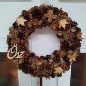 Csupa-csupa ősz ajtódísz , Ajtódísz & Kopogtató, Dekoráció, Otthon & Lakás, Virágkötés, 20 cmes hungarocell alapra készítettem őszi terméséből ezt a kopogtatót. Beige és barna szalagokkal,..., Meska