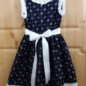 Egyedi készítésű kislány ruha (104-146-os méret), Gyerek & játék, Táska, Divat & Szépség, Ruha, divat, Gyerekruha, Varrás, Egyedi készítésű kislány ruha, kékfestő anyagból.  Egyeztetés alapján, egyéni méretezéssel, más anya..., Meska