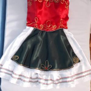 Magyar ruha, Ruha, Női ruha, Ruha & Divat, Varrás, Egyeztetés alapján, egyéni méretezéssel kérhető.\nKérhető komplett ruhaként, amely tartalmazza a párt..., Meska