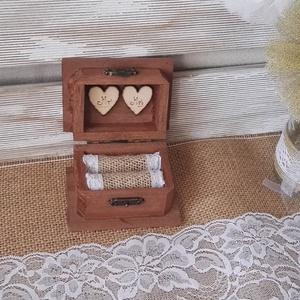 Rusztikus erdei esküvői gyűrűtartó fadoboz ékszerdoboz doboz ládika gyűrűpárna, Esküvő, Emlék & Ajándék, Doboz, Festett tárgyak, Mindenmás, Vintage, rusztikus stílusban készült ez az  esküvői gyűrűtartó, melyet a gyűrűpárna helyett lehet ha..., Meska