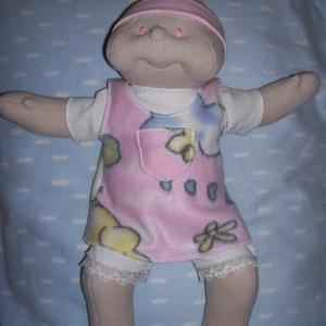 Különleges, rózsaszín szemű, Brigi baba!, Játék, Gyerek & játék, Baba, babaház, Baba-és bábkészítés, Hímzés, Szia! Eredetileg Brigi baba vagyok, de Te adj  nekem olyan nevet, amilyet szeretnél! \n\nKb. 40-43 cm ..., Meska