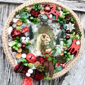 Karácsonyi adventi kopogtató, Otthon & lakás, Dekoráció, Ünnepi dekoráció, Virágkötés, 30 cm-es szalma alapra készült kopogtató\nDíszítve pár cm-vel szélesebb.\n, Meska