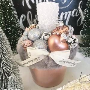 Szőrmés asztaldísz, Otthon & Lakás, Karácsony & Mikulás, Karácsonyi dekoráció, Virágkötés, Mérete: 20cm, Meska