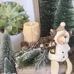 Ülő szarvas fiókban , Otthon & Lakás, Karácsony & Mikulás, Karácsonyi dekoráció, Virágkötés, Mérete: 20cm, Meska