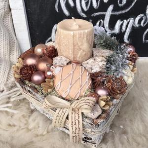 Tèli pùder asztaldísz, Otthon & Lakás, Karácsony & Mikulás, Karácsonyi dekoráció, Virágkötés, Mérete: 20cm, Meska