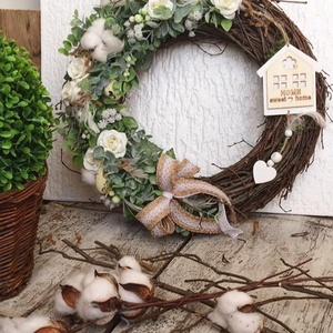 Tavaszi natúr ajtódísz, Otthon & Lakás, Dekoráció, Ajtódísz & Kopogtató, Virágkötés, 35 cm-es. \nVessző koszorú alapra készített ajtódísz., Meska