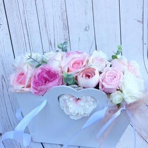 Ballagási virágbox, Otthon & Lakás, Dekoráció, Csokor & Virágdísz, Virágkötés, Mérete: 25cm\n, Meska