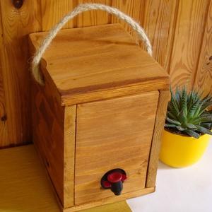 """Bag-in-Box Díszdoboz - \""""rozé\"""" 3 literes, Otthon & Lakás, Konyhafelszerelés, Bortartó, Famegmunkálás, Bag in box díszdoboz – 3 literes - rozékhoz\n\nFogyaszd kedvenc rozé borodat vagy gyümölcsleved stílus..., Meska"""