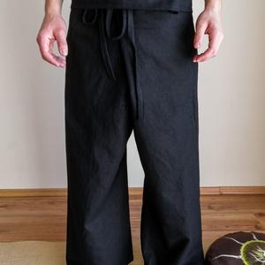 Minta nélküli Thai nadrág, Ruha & Divat, Férfi ruha, Nadrág, Varrás, Festett tárgyak, A nadrágok jó minőségű, sűrű szövésű len anyagból készülnek. Jellegzetes szabásának köszönhetően kén..., Meska