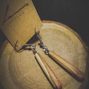 Fából készült fülbevaló, Ékszer, Fülbevaló, Ékszerkészítés, Famegmunkálás, Egyedi fából készült fülbevaló\n\nAdatok:\nA fülbevaló mérete 35x5x5mm\nanyaga: fa\nsúlya: 2g\nA szerelék ..., Meska