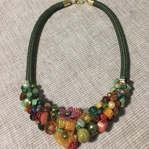 Ōszi színes gyöngy  nyakék, Ékszer, Nyaklánc, Gyöngyös nyaklác, Gyönyörű  Narancs, barna, sàrga ès zöld gyöngyökbōl komponáltam ezt a nyakéket  Nyakék hossza 46 cm ..., Meska