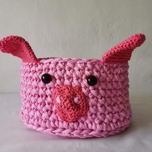 Malackás pink játéktároló kosár, horgolt tároló gyerekszobába, Játéktároló, Tárolás & Rendszerezés, Otthon & Lakás, Horgolás, Ebbe a pink malackás horgolt kosárba sok játék belefér, hangulatos elem lehet a gyerekszobában.\nDe t..., Meska