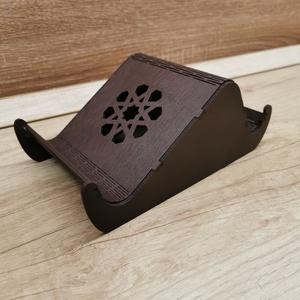 Telefon tablet tartó, Otthon & Lakás, Lakberendezés, Famegmunkálás, Saját készítésű 3mm-es nyír rétegelt lemezből készült.\nMérete:20x12 cm, Meska
