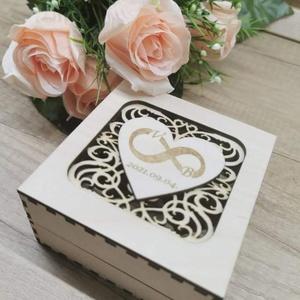 Esküvői gyűrűtartó , Esküvő, Kiegészítők, Gyűrűtartó & Gyűrűpárna, Famegmunkálás, 3mm-es rétegelt lemezből készült natúr csiszolt felülettel.\nMérete: 10x10x5 cm\n, Meska